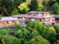 Lake Taupo Lodge - New Zealand Hotels Villas Information